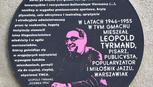 Tablica_Leopold_Tyrmand_Konopnickiej_6_Warszawa (2)